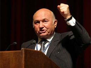 Лужков выступает за переход на дифференцированные тарифные планы