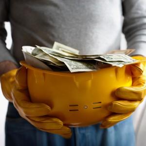 Ветераны и малообеспеченные семьи Москвы получат льготы при оплате капремонта домов