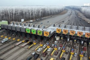 Тарифы на проезд по участку скоростной дороги М-11 снизят для всех фур