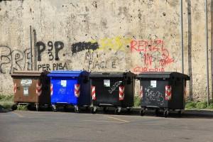 В Астрахани тарифы на вывоз мусора выше, чем в Москве