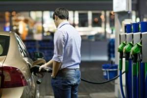 В Ростове цены на бензин оказались выше московских, но ниже краснодарских