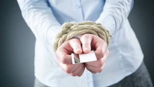 Кому должен, всем прощаю: заемщиков избавят от непосильных долгов