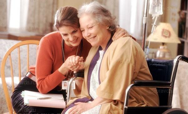 Кому положены социальные услуги на дому и нужно ли за них платить?