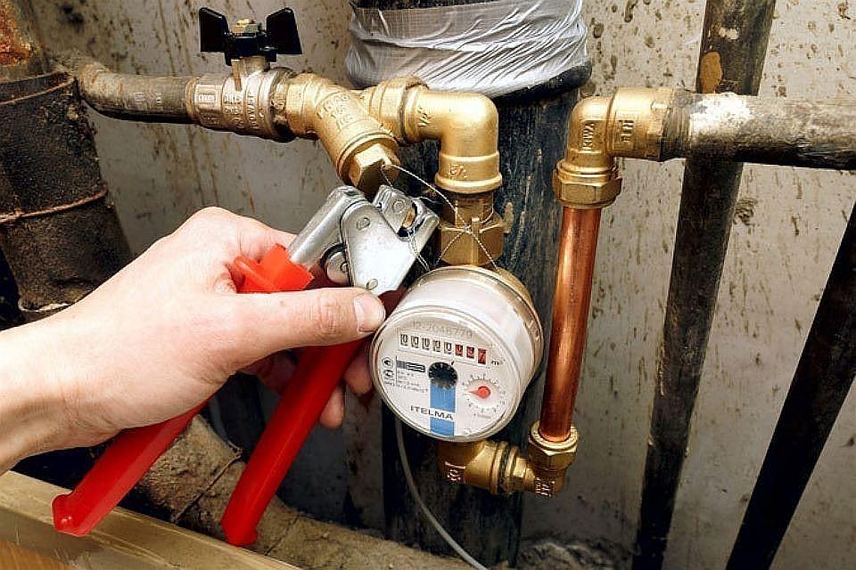 Приборы учета расхода воды в квартире в Москве: Надо ли платить за техобслуживание, можно ли отказаться