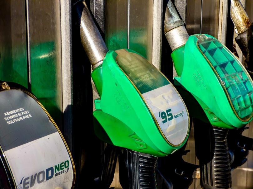 Сколько стоит бензин в разных странах? Данные 2018 года