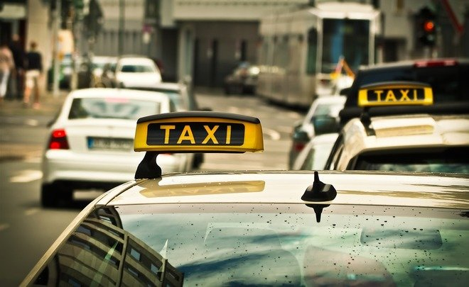 Власти Москвы умоляют таксистов не завышать тарифы на время ЧМ – 2018