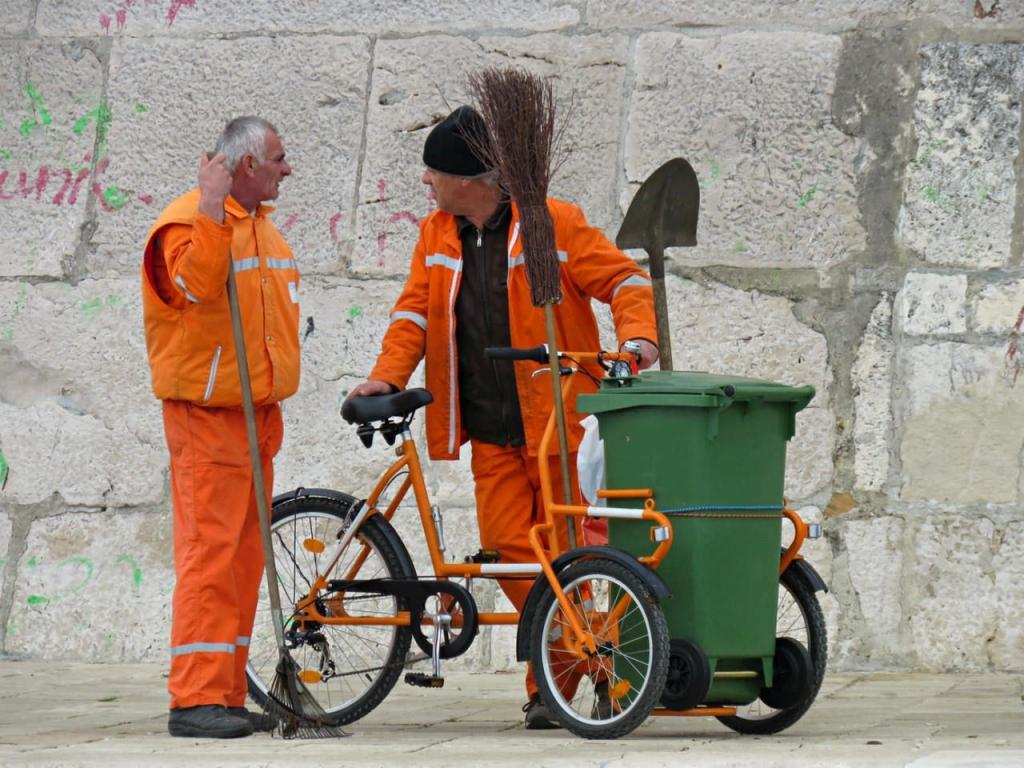 Тариф на вывоз мусора в Петербурге может вырасти на треть