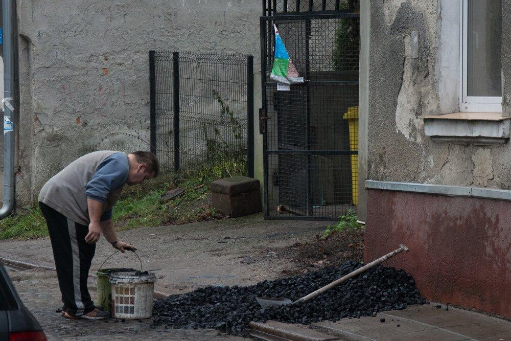 Приехала в Польшу и была шокирована, как люди топят углем квартиры