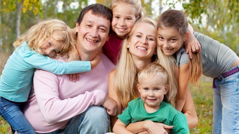 Многодетные семьи в Тверской области планируют освободить от оплаты вывоза ТКО