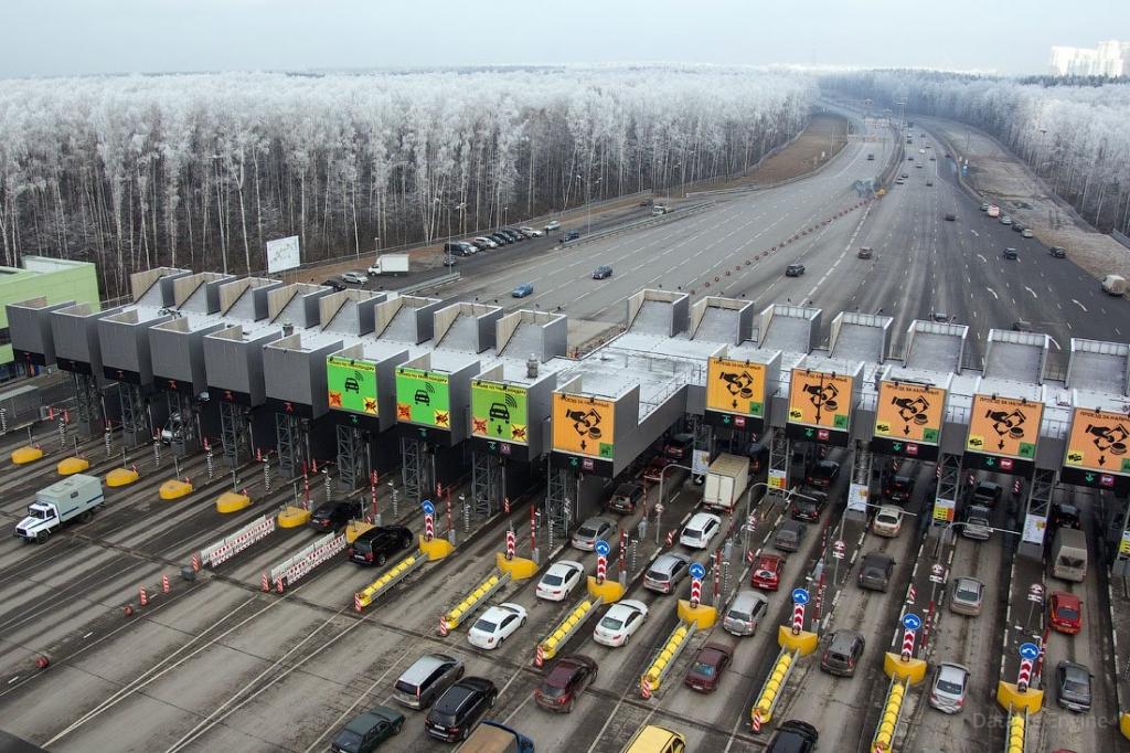 На трех платных российских трассах повысят тарифы