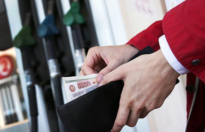 Правительство нашло еще один способ удержать цены на бензин