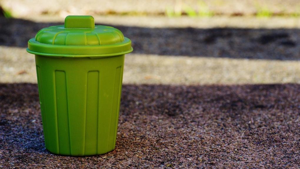 Как платить за вывоз мусора меньше?