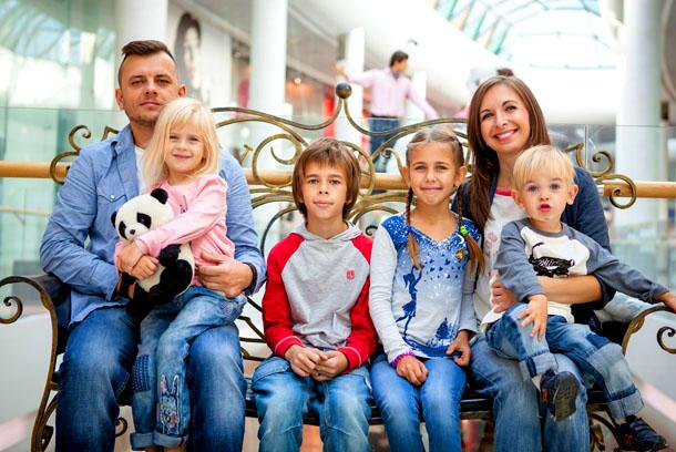 На Ямале начали продавать авиабилеты для детей из многодетных семей по цене 2 500 рублей