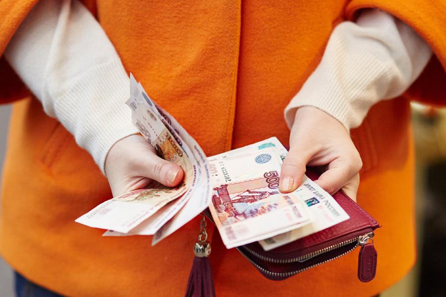 В квитанциях без изменений. Почему петербуржцы не заметили снижения тарифов ЖКХ