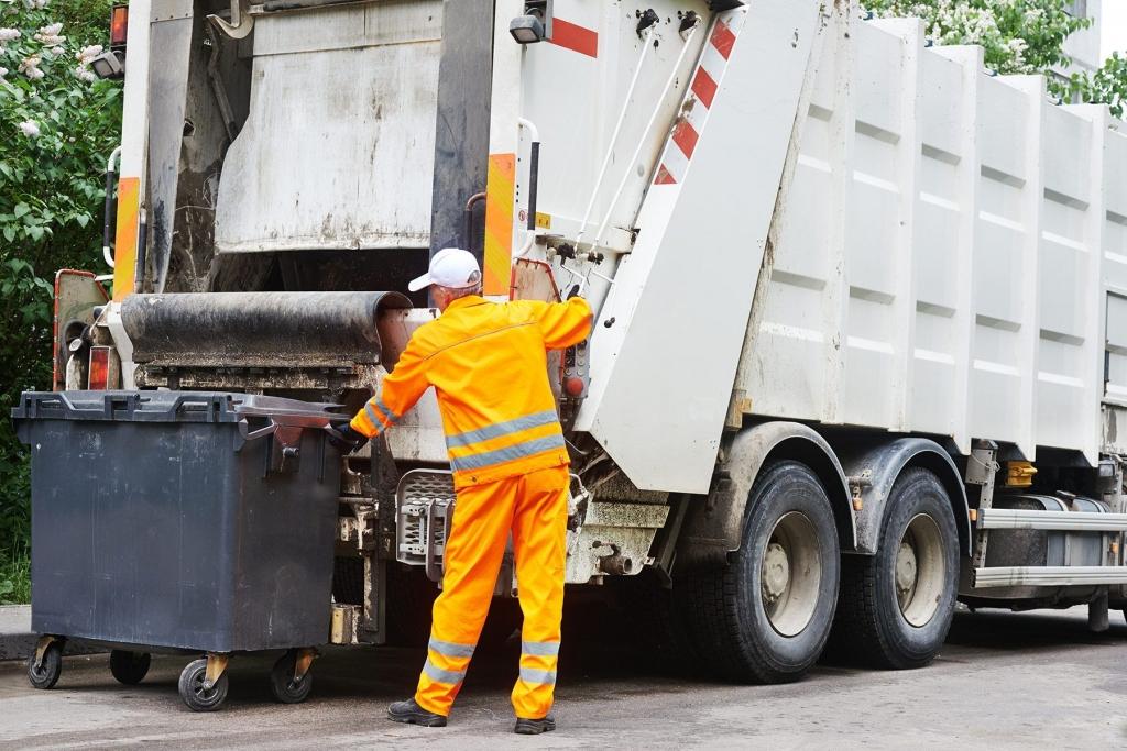 Власти назвали примерный тариф на вывоз мусора в отдалённых районах Воронежской области