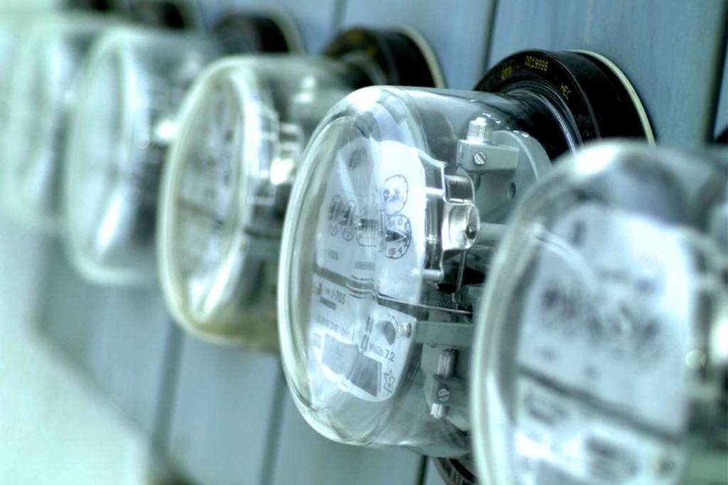 Тарифы на электроэнергию снизят в Алтайском крае