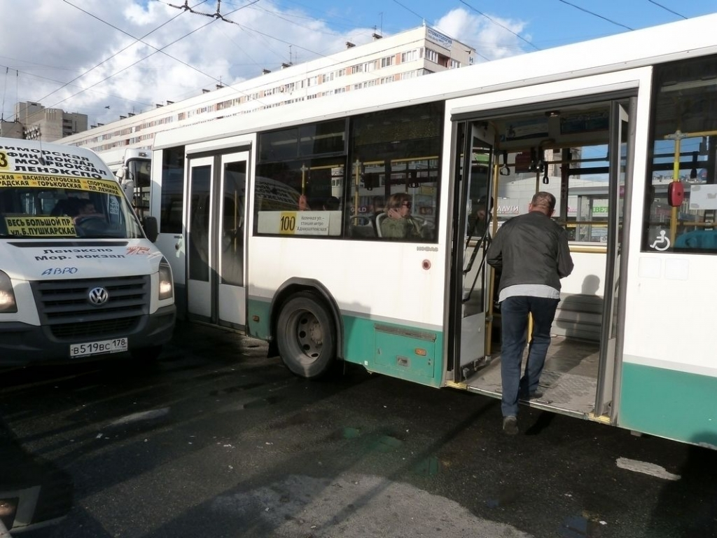 В Петербурге появится новый тариф на проезд в автобусах и трамваях