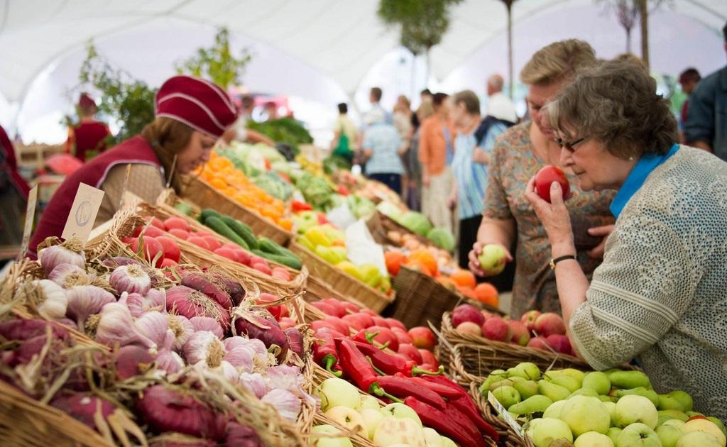 В Сочи планируют в четыре раза снизить плату за аренду площади под продажу сельхозпродукции