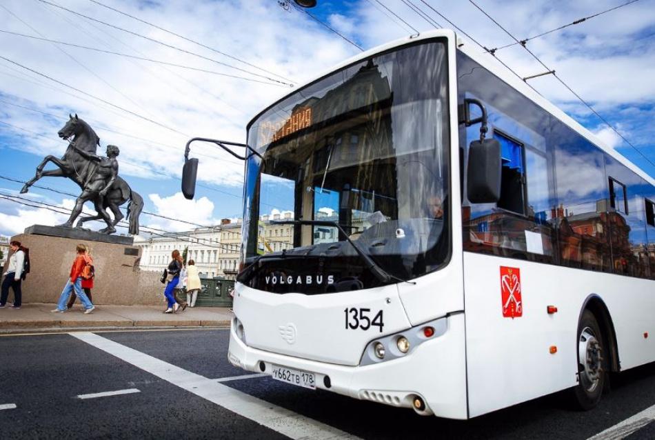 Проезд в общественном транспорте Петербурга может подорожать до 70 рублей