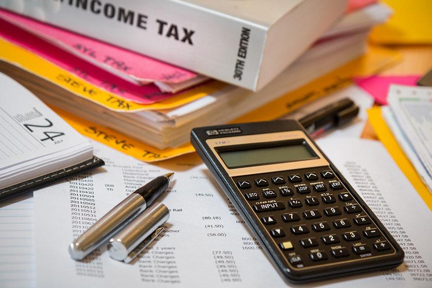 В каких регионах больше платят по налогам за жилье и за землю