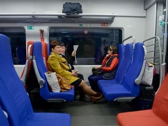 Тарифы на проезд в электричках в Петербурге не изменятся