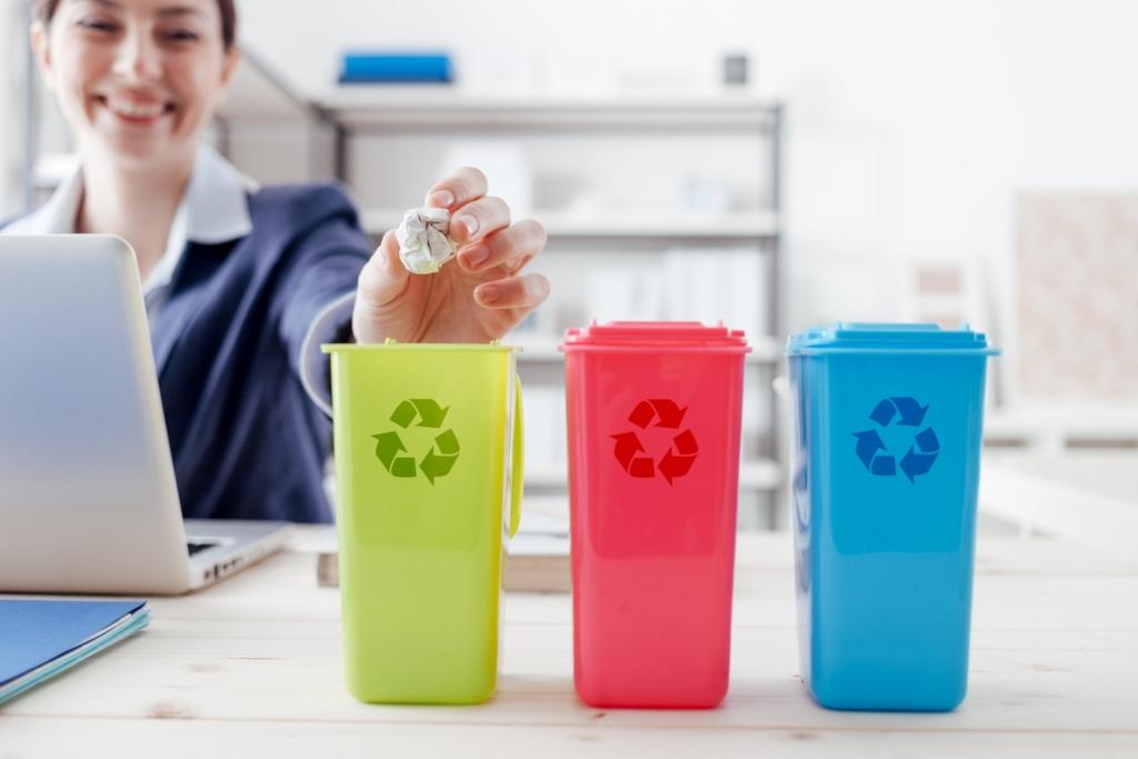 Москвичам объяснили, какие отходы можно выбрасывать в мусоропровод