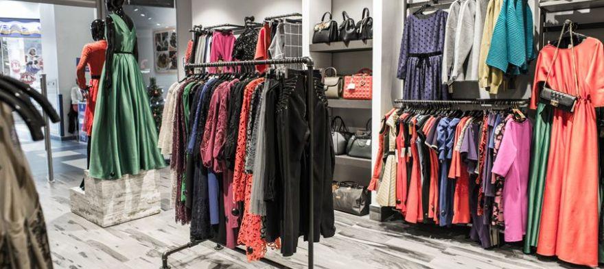 Продажи одежды в России сократились на 90 процентов