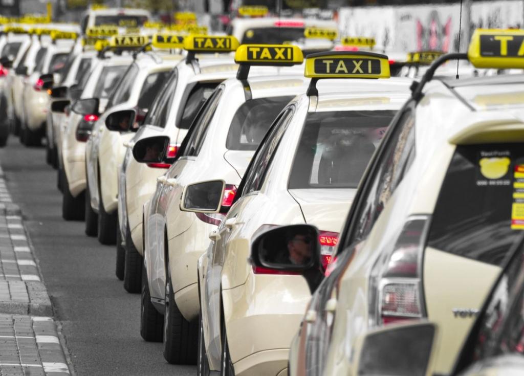 Астраханские перевозчики объяснили резкий рост цен на такси