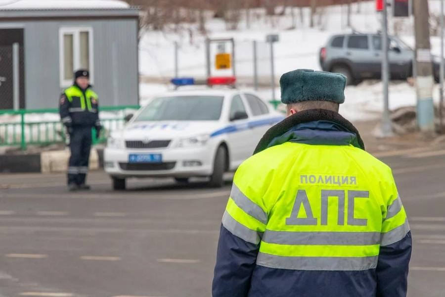 Новые автомобильные штрафы и тарифы вступят в силу в РФ с 1 августа