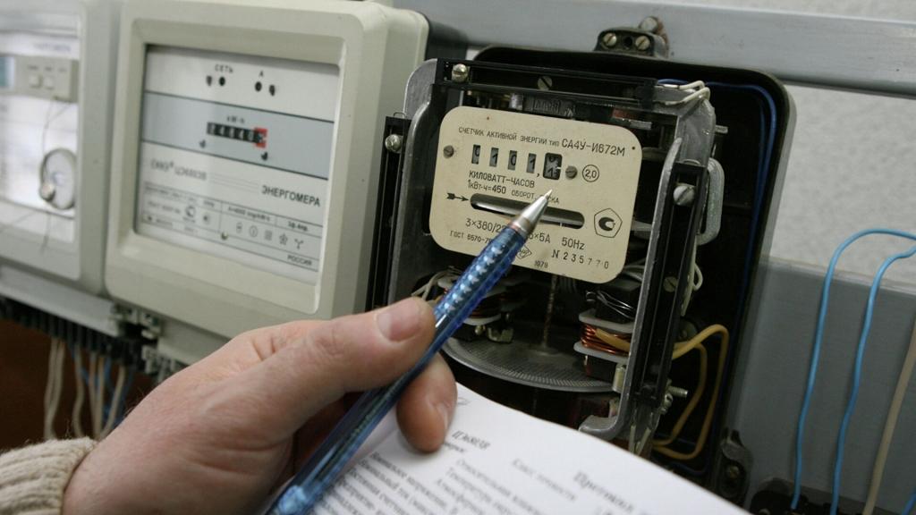 Россиянин обманул счетчик и получил иск на миллион рублей за электричество