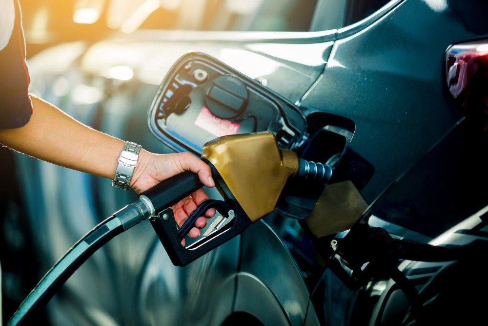 Стоимость бензина Аи-92 в России за неделю выросла на 14 копеек