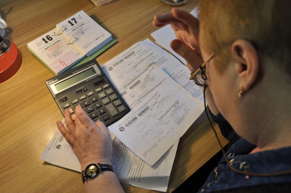 Оплатить коммунальные услуги без комиссии можно, но сложно