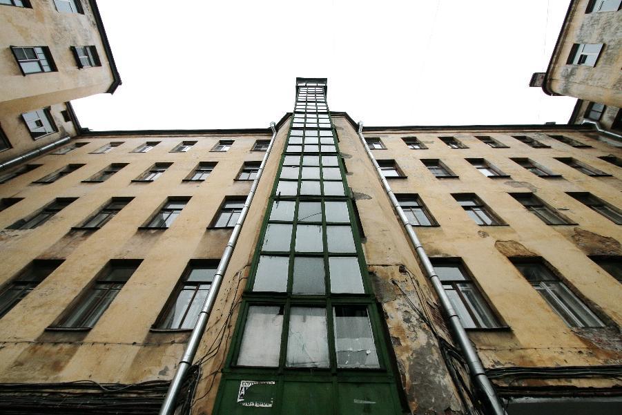 Как петербуржцы будут платить за содержание лифтов