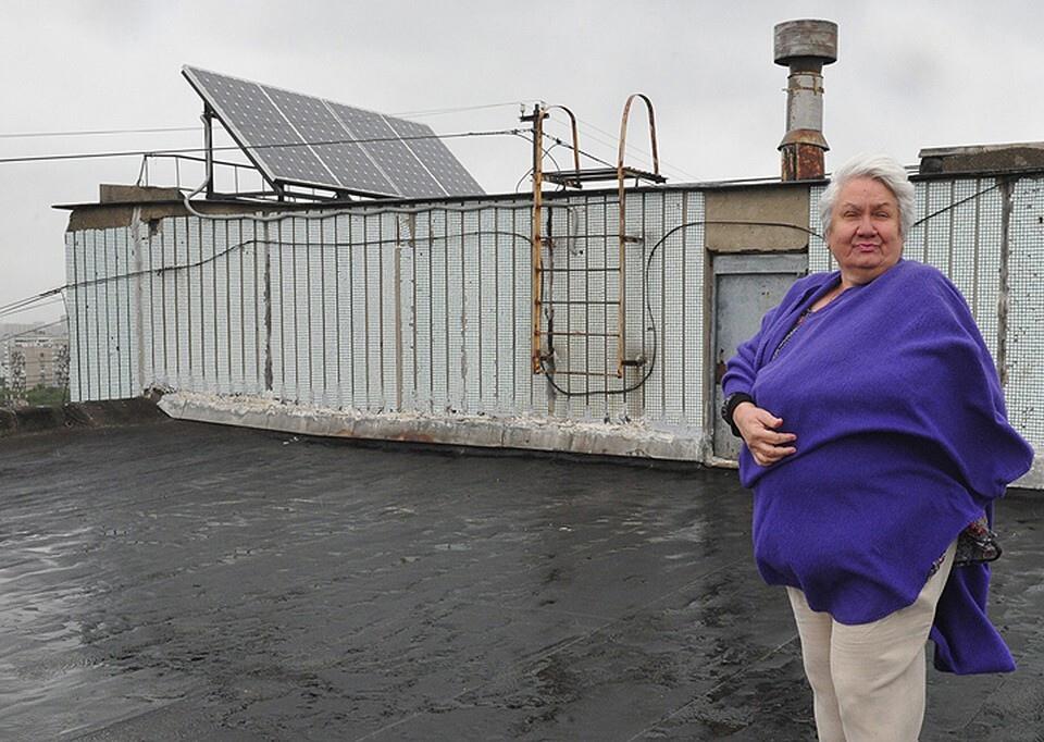 В Москве жители многоэтажки с помощью солнечных батарей сократили расходы за общий свет в 150 раз