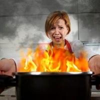 Почему в холодильник нельзя ставить горячее