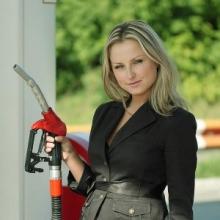 Медведев: рост цен на бензин отражает ситуацию на рынке