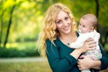 Какие права и льготы есть у женщин, в одиночку воспитывающих детей в Украине
