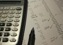 Комиссию в тарифах ЖКХ отменили пока только на бумаге