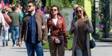Двойной тест для туристов и штрафы автомобилистам: что изменится в РФ с 1 мая