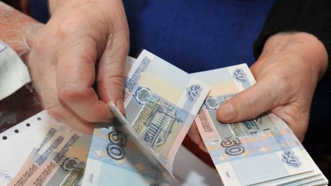Россияне рассказали, сколько им не хватает до зарплаты