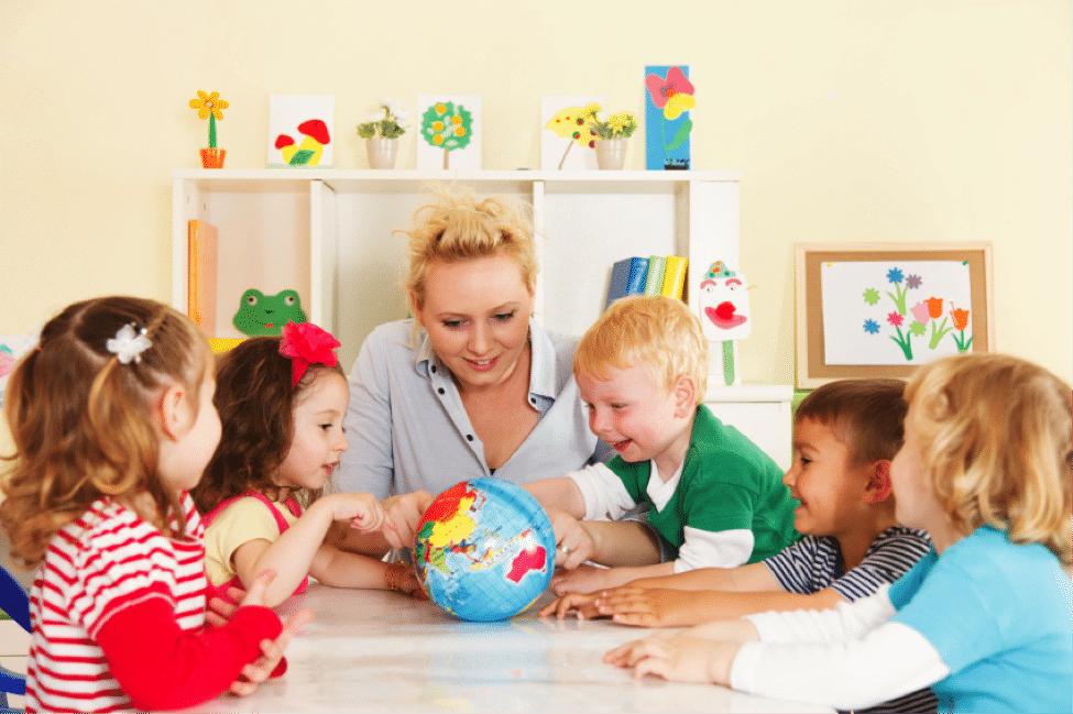 Россияне рассказали, сколько они тратят на дополнительное образование детей